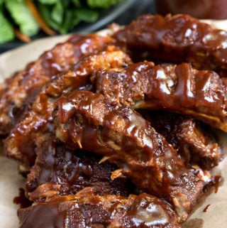 Instant Pot Baby Back Ribs are amazing, very tasty, and done in under an hour! simplyhappyfoodie.com #instantpotrecipes #instantpotribs