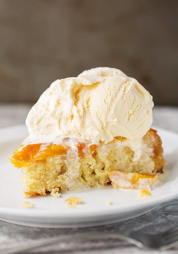 Peach Upside Down Cake is so delicious and easy to make! We like this fresh peach cake so much! simplyhappyfoodie.com