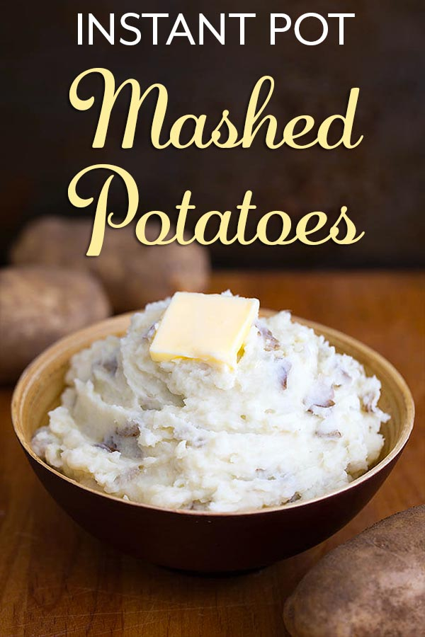 Instant Pot Mashed Potatoes is a simple mashed potato recipe. Pressure cooker mashed potatoes are easy to make and they come out fluffy and delicious! simplyhappyfoodie.com #instantpotrecipes #instantpotmashedpotatoes #instantpotpotatoes #instantpot #instapotmashedpotatoes