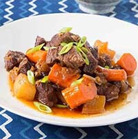 Braised Short Ribs with Daikon and Carrot