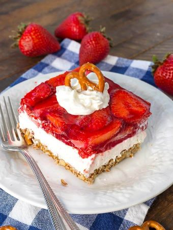 Strawberry Pretzel Jello Salad