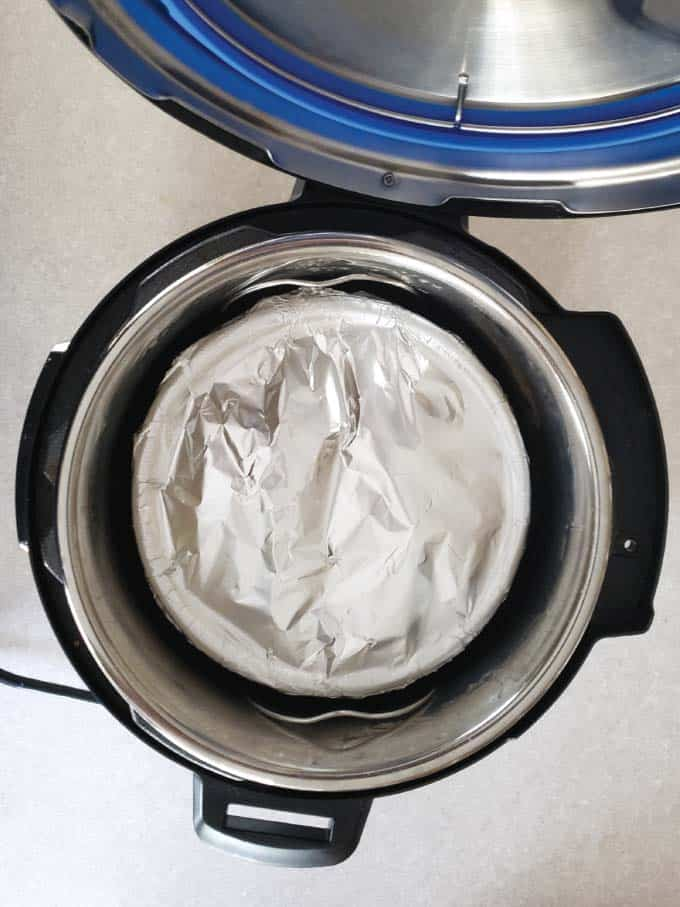 Casserole covered with foil using the Pot-in-Pot cooking techinque